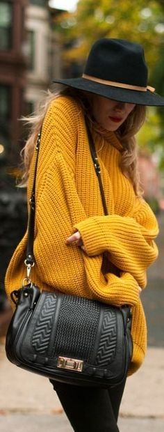 Eh bah oui, il fait froid, ça pèle, ça caille, ça grelotte… on approche clairement de l'hiver, quoi ! Cute Oversized Sweaters, Oversized Pullover, Oversized Sweater Outfit, Mustard Sweater Outfit, Sweater Outfits, Chunky Sweaters, Look Fashion, Winter Fashion Outfits, Fall Winter Outfits