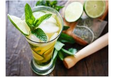 Iced Green Tea Mojito - Juice of lime (1 tablespoon) · (Several sheets also served four + for) leaves of spearmint bigger The leaf of baby arugula (4 pieces) Sugar (2 tablespoons) Green tea (1/2 cup) White rum (2 tablespoons a little less than, the amount of your choice)