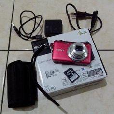 Yang hobi foto2 saya juga ada kamera digital sony WX-80 yg masih sangat bagus dan terjamin...mau cek bisa langsung dtng kerumah...barang seperti di foto, lengkap dengan tas kecilnya, memory card sony 8 gb, charger original, batere original, dus dan buku manual masih lengkap, nota pembelian juga masih ada.Tp maaf ya harga nya sudah nett segitu gak bisa nego lagi,,,Harga 680.000WA: 0831-8668-8002