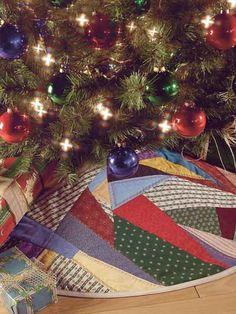 Crazy-Quilted Tree Skirt pattern
