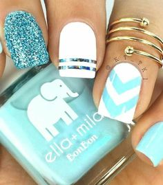 Make your short nails even more beautiful & colorful with Short Gel Nail Art designs. Here are the best Gel Nail Art designs for short nails. Nagellack Design, Nagellack Trends, Cute Acrylic Nails, Acrylic Nail Designs, Acrylic Spring Nails, Acrylic Tips, Bright Nail Art, Blue Chevron Nails, Bright Colors