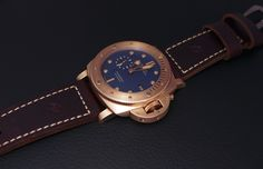 PuristSPro - After the Bronzo Green, here is the Bronzo Blue, Ref PAM 671. The case is 47 mm big, water resistant to 300 meters, made of bronze, at the exception of the