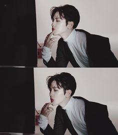 "[CAP] V App ""EXO's Hard Drive Collection 1"" ㅡ Baekhyun."