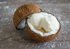 Παγωτό καρύδα πανεύκολο από την Αργυρώ Μπαρμπαρίγου! Milk Ice Cream, Coconut Ice Cream, Coconut Milk, Food Categories, Chocolate Coffee, Frozen Desserts, Sweet Recipes, Sugar Free, Food To Make