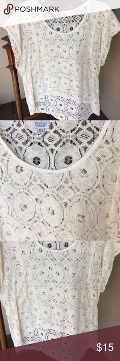 Large cream hi-lo top, with lacy detail. Large Large cream hi-lo top with lacy detail.  Large.  Good condition! 😘 Tops