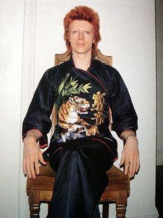 vezzipuss.tumblr.com — David Bowie, Circa 73 〰️➰〰️