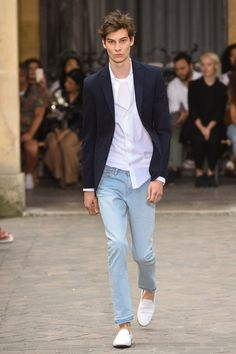 Officine Generale Spring 2018 Menswear Fashion Show Collection