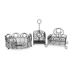 Your outdoor entertaining will be a snap with this picnic set from Mesa. Utensils stay organized and in their place so that serving becomes easy to manage when you use this set of elegantly crafted and heavy gauge steel products. Silverware Caddy, Picnic Set, Staying Organized, Outdoor Entertaining, Wedding Gift Registry, Fine China, Bedding Shop, Bath Towels, 3 Piece