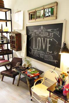 Crazy Mary Revista http://crazymaryrevista.wordpress.com/2013/06/20/el-inspirador-espacio-de-trabajo-de-cecilia-mallardi-en-casa-decor/