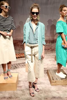 Pin for Later: J.Crew Will Fulfil Your Wildest Preppy Dreams For Spring 2016 J. Summer Shorts Outfits, Summer Work Outfits, Summer Outfits Women, Spring Outfits, Preppy Dresses, Casual Outfits, Gingham Shirt Outfit, J Crew Summer, J Crew Style