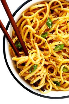 This 15-Minute Sesame Noodles recipe is super easy to make is just as delicious served warm or cold as a side dish. Feel free to add in extra veggies and/or proteins (such as chicken, beef, shrimp, tofu, etc.) to make it a main course! | gimmesomeoven.com #noodles #sesame #side #sauce #chinese #dinner #pasta