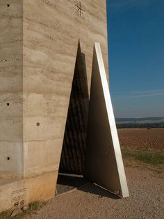 Bruder Klaus Field Chapel in Germany / Peter Zumthor Peter Zumthor Architecture, Monumental Architecture, Sacred Architecture, Religious Architecture, Beautiful Architecture, Architecture Details, Modern Architecture, Kolumba Museum, Le Siecle