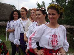 Ziua Universala a iei romanesti Universal Day of the Romanian Blouse 2015 Photo Blog, Tudor, Ruffle Blouse, Day, Photography, Tops, Women, Fashion, Moda