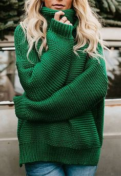 Evergreen is right! We love the vibrant look of our Evergreen Knit Sweater in this kelly green hue! This chunky knit sweater is sure to keep you warm in this relaxed turtle neck silhouette. Sport with a front tuck and bold belt!