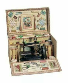 toy sewing machine set- box room idea - a sewing room in a sewing box Sewing Box, Love Sewing, Sewing Kits, Antique Toys, Vintage Toys, Pin Up Retro, Couture Vintage, Vintage Sewing Notions, Antique Sewing Machines