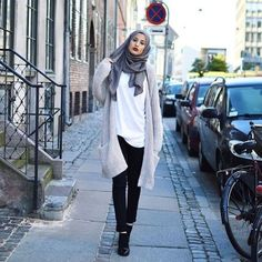 neutral hijab outfit Hijab trends 2016 www. Hijab Casual, Hijab Outfit, Hijab Chic, Hijab Fashion Casual, Casual Wear, Islamic Fashion, Muslim Fashion, Modest Fashion, Fashion Outfits
