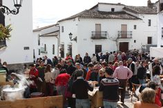"""Fête de la """"Matanza"""" 2015 à Linares de la Sierra - Place du village"""