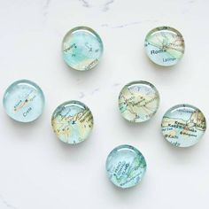 Looking for a creative way to show off your travels? Check out these cute DIY map magnets! Click the link in our bio for the quick and easy tutorial by #PorchBlogger @thehappyhousie.