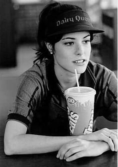 Parker Posey as Libby Mae Brown in Waiting for Guffman Parker Posey, Christopher Guest, Donnie Darko, Zooey Deschanel, Jake Gyllenhaal, Special People, Famous Faces, Girl Crushes, Role Models