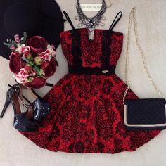 News meninas ✨✨  •  Vestido DIVO❤️❤️  •  Vestido Boneca Larissa no Jacquard { D/ em renda } •  Para preços e compras acesse nossa loja on-line •   WWW.MELROSEBRASIL.COM  •  Link  clicavel da loja logo acima em nossa Bio