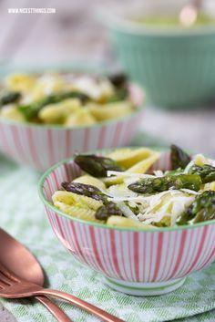 nudeln mit spargelpesto, pasta with green asparagus, grüner spargel