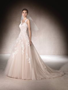 St. Patrick | MAISAL - A-line wedding dress in shades of pink