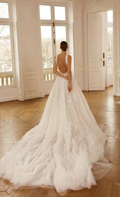 Dana Harel backless wedding dress  #danaharel #backlessweddingdress