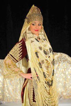 """Tenue traditionnelle appelée """"Chadda """" de Tlemcen - ALGERIE -"""