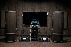Martin Logan's flagship Neolith loudspeakers driven by a full Macintosh electronic stack #hifiporn #highendaudio #audiophile #martinlogan #mcintoshlabs