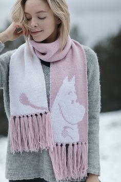 Adorable Moomin scarf, knitted with Moomin x Novita yarns Novita has published a delightful collection of Moomin-themed knitting patterns, which are knitted Knitting Yarn, Knitting Patterns, Knitting Ideas, Knitting Projects, Crochet Projects, Wool Socks, Knitted Shawls, Sewing Crafts, Knit Crochet