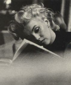 Marilyn Monroe- a women loved by  so many but never turly understood what love was