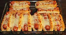 10 pientä hot dog-sämpylää (tee itse, ohje täältä tai käytä valmiita) 10 nakkia 40 g kurkkusalaattia 2 tl sinappia 4 tl ke... Easy Cooking, Cooking Time, Cooking Recipes, I Love Food, A Food, Food And Drink, Evening Snacks, Party Snacks, No Bake Cake