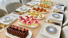 Almond Pastry, Middle Eastern Desserts, Tasty, Yummy Food, Beignets, Mini Cakes, Finger Foods, Tea Time, Buffet