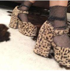 Dr Shoes, Sock Shoes, Me Too Shoes, Shoes Heels, Pumps, Aesthetic Shoes, Aesthetic Clothes, Pretty Shoes, Cute Shoes