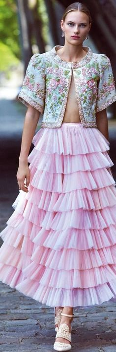 My Pinkalicious Garden Party Floral Fashion, Pink Fashion, Couture Fashion, Runway Fashion, Fashion Outfits, Womens Fashion, Fashion Design, Evening Dresses, Prom Dresses