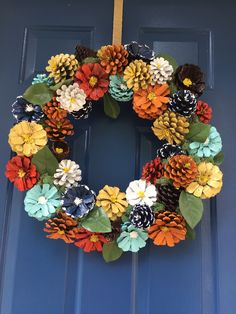 from large pinecones cut in half Pine Cone Art, Pine Cone Crafts, Wreath Crafts, Flower Crafts, Christmas Pine Cones, Christmas Wreaths, Christmas Crafts, Christmas Decorations, Christmas Christmas