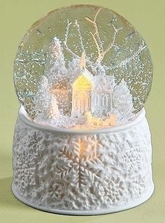 SNOW GLOBES - WHITE CHRISTMAS LIGHTED & MUSICAL SNOW GLOBE - SNOWGLOBE