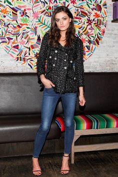 Phoebe Tonkin in Chanel jacket at Girls in Frame dinner on November 18, 2014 #redcarpet #style #fashion
