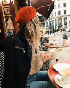 French Bérets: How To Wear The Season's Must-Have Accessory - French Bérets: How To Wear The Season's Must-Have Accessory – Les Sublimes Source by annabalcerzak - Beret Rouge, Beret Outfit, Style Parisienne, Mode Shoes, Looks Street Style, Beret Street Style, Fashion Moda, Parisian Style, Parisian Cafe