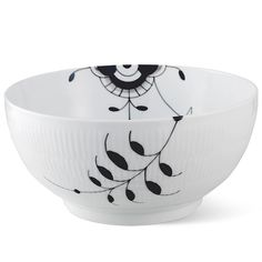 Royal Copenhagen Black Fluted Mega Bowl 310 cl