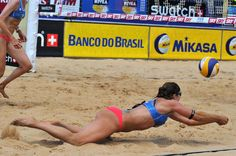 Although the great defense of Misty May-Treanor (USA), the FIVB SWATCH World Tour 2011 best defensive player, she and partner Kerri Walsh were eliminated from the tournament by the Brazilian team of Larissa/Juliana
