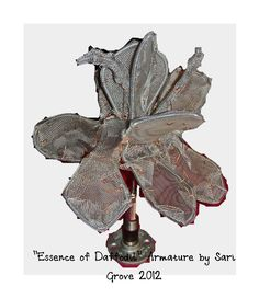 """""""Essence of Daffodil"""" Armature by Sari Grove ©2012, tying on the petals..."""