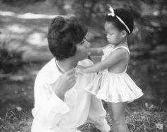 Mother and Daughter I Nina Simone and Simone Kelly Nina Simone Daughter, Carolina Do Norte, Blues, Tv Icon, Popular People, African American History, Mother And Child, Art Plastique, Black History