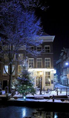 Christmas in Amsterdam, Netherlands (by Bracie&Bryan on Flickr)
