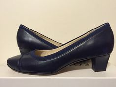 Taryn Rose TR Comcord Navy Leather Women's Classics Heels Pumps Size 6 M #TarynRose #ClassicsHeelsPumps #CasualWeartowork