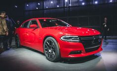 2015 Dodge Charger R T 101 still exudes power and a vague sense of menace—maintaining its four-door muscle-car persona—while reshaping nearly all of its sheetmetal.