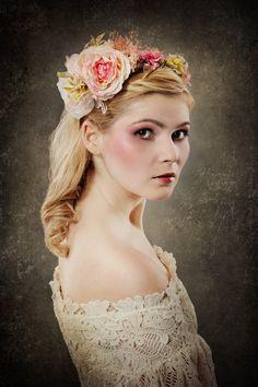 """Fleurs cheveux, Headband """"peony symphony """", flower he... est une création orginale de magaela sur DaWanda"""
