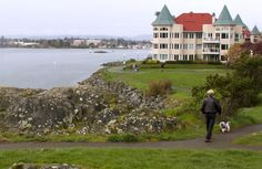 April 2015 - The Songhees Walkway, which skirts Victoria's Inner Harbour, makes for an easy stroll close to downtown. Walkway, Continents, Seattle, Things To Do, Dolores Park, Hiking, Canada, Victoria, Places
