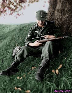 Photo Picture German Soldier Wehrmacht Sniper And His Scoped Mauser 357 The Sniper, German Soldiers Ww2, German Army, Ww2 Photos, History Photos, Military Photos, Military History, Germany Ww2, German Uniforms