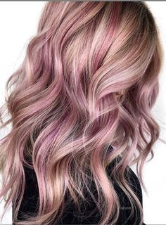 Lavender hair color and hairstyle design ombre lavender hair color purple hair color purple hairstyle blunt hairstyle for medium-length hair messy bob hairstyle wavy curly hairstyle design Lavender Hair Colors, Hair Color Purple, Cool Hair Color, Messy Bob Hairstyles, Summer Hairstyles, Ombre Hair, Balayage Hair, Hair Colour Design, Hair Color Highlights